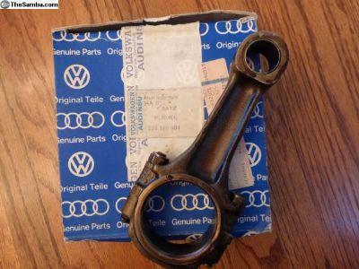 NOS VW Bus 2.0L Rods 039 198 401
