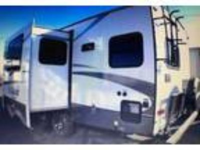 2015 Forest River Wildcat-Maxx-Series-24RG Travel Trailer in Kingman, AZ