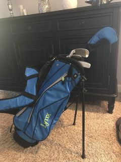 Youth Golf Club Set (4 clubs & bag) Right handed