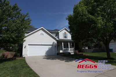 Spacious 4 BR / 2.5 BA Home- Liberty- Close to Community Center