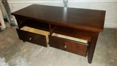 Entertainment table TV stand