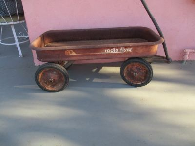 Rare 1950' red metal RADIO FLYER wagon #18