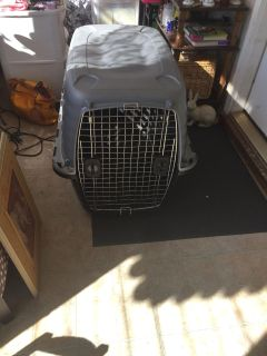 Xtra large dog crate front door can open on both sides