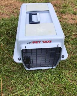 """Pet Taxi 20 long 12tall 14 wide EUC """"small pet"""" baby blue"""