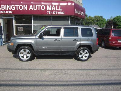 2011 Jeep Patriot Latitude (Dark Charcoal Pearl)
