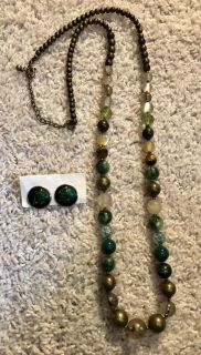 Gorgeous green/gold long necklace and earrings