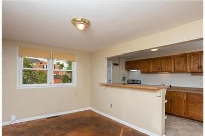 Charming end of group town home is ready for you to move in. Washer/Dryer Hookups!
