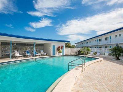 Condo for Sale in Sarasota, Florida, Ref# 200013102
