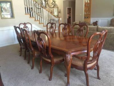 "Thomasville ""Kent Park"" table with cover, 8 chairs and China Cab"