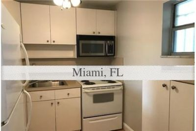 Pet Friendly 2+1.50 Apartment in Miami. Pet OK!