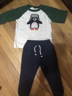 Toddler boy outfit size 3t like new
