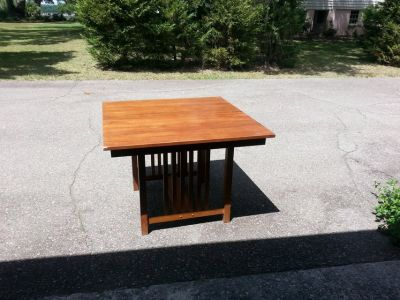 Table. Shaker style