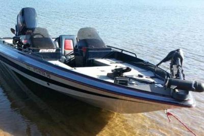 1994 Stratos 217 Bass Boat