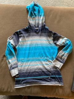 EUC Boys long sleeve shirt w hood size M