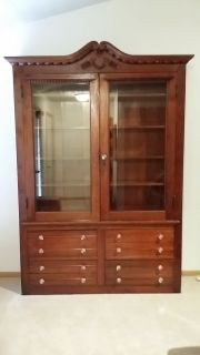 Antique Big and Beautiful Walnut Hutch/Bookcase