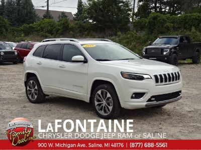 2019 Jeep Cherokee overland (Pearl White)