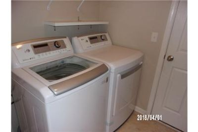 House for rent in Fernandina Beach. Parking Available!