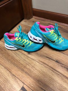 Nike Air Torch 4 women s tennis shoes-size US 7