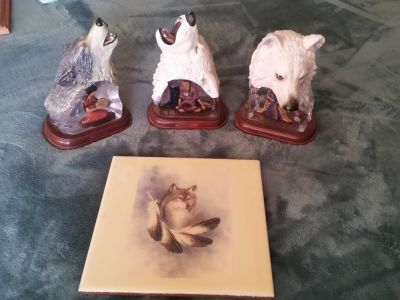 Southwestern Wolf Figurines Bradford Exchange