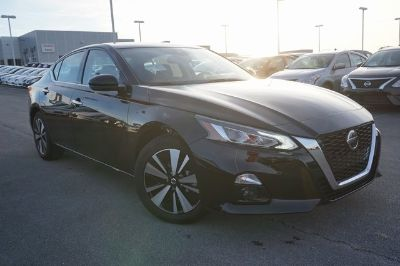 2019 Nissan Altima (Super Black)