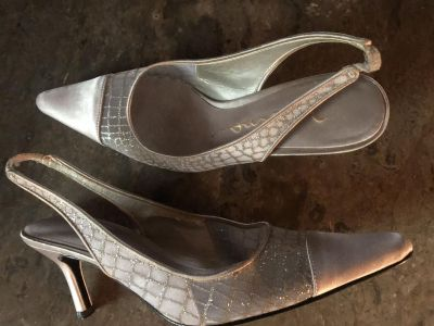 Nina Silver Sling Back Leather Dress Shoes Size 8 $10 Must PU In McDonough