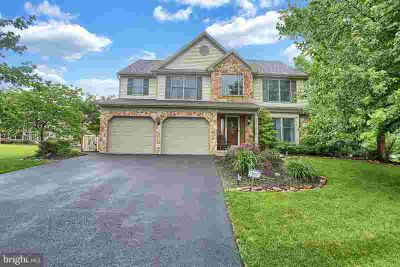 9 Limestone CT LITITZ Four BR, Welcome Home to this beautiful