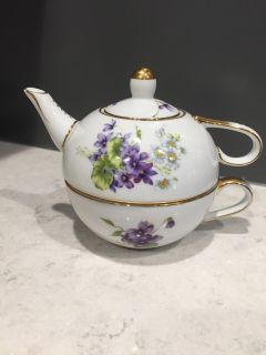 Nantucket 2 piece purple and white teapot and cup