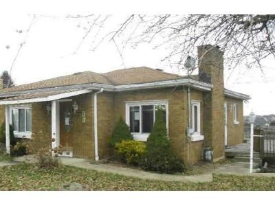 2 Bed 1 Bath Foreclosure Property in Harrison City, PA 15636 - Anthony St