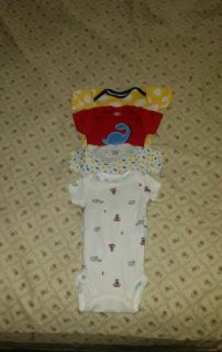 :: (4) size Newborn onesies Gerber brand Excellent conditions BUNDLE DISCOUNT IF PURCHASE $25-$4