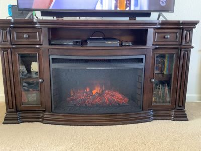 Entertainment Center w/ Fireplace