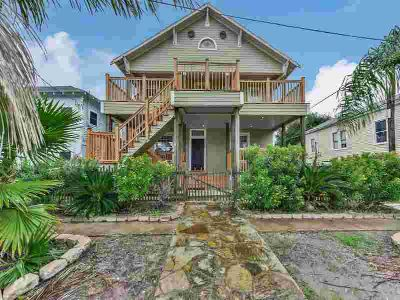 1712 19th Street Galveston, Seller is accepting cash offers