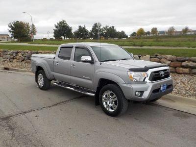 2015 Toyota Tacoma V6 (Silver Sky Metallic)
