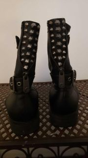 Guess womens boots 8 1/2 M