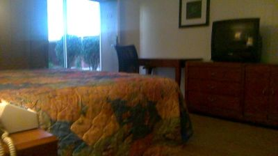 Ocala Hotel Room 352-622-7281 Queens Garden Resort is located on the 3340 S Pine Avenue