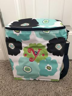 Thirty-One Carry Insulate Cooler: Embroidered letter Y