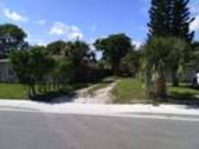 Land for Sale by owner in Riviera Beach, FL