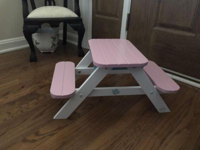 Doll picnic table