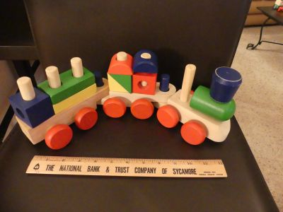KT ~ Wooden shapes train