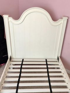 Twin bed- good condition