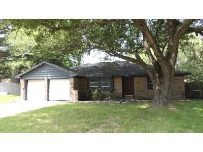 3 Bed 2 Bath Foreclosure Property in Baytown, TX 77520 - Sherwood St