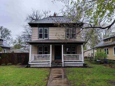 4 Bed 2 Bath Foreclosure Property in Rockford, IL 61103 - Melrose St