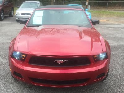 2010 Ford Mustang V6 (Maroon Or Burgundy)