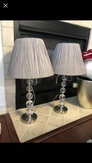 2 Lamp bases with shades