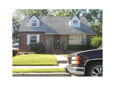3 Bed 1 Bath Foreclosure Property in Rosedale, NY 11422 - -18 247th St