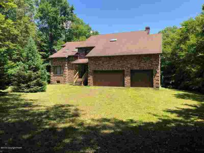 14 Holly Ln Gouldsboro Four BR, Quality built home in a peaceful