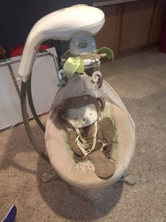 Fisher Price Cradle n Swing, excellent condition. Smoke free pet free home
