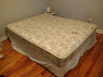 Queen bed in good condition