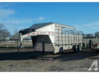 2012 delco 6x20 halftop trailer with tackroom
