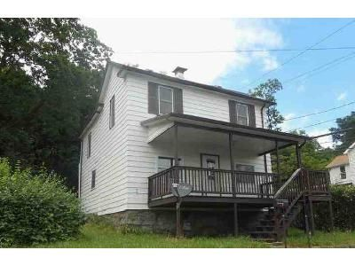 4 Bed 1 Bath Foreclosure Property in Westernport, MD 21562 - Poplar St