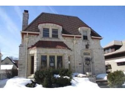3 Bed 1.5 Bath Foreclosure Property in Milwaukee, WI 53216 - N 48th St